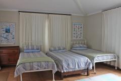 Dorm 3 beds